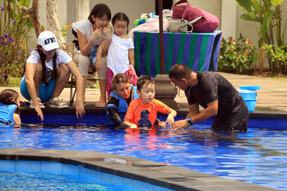 bali-dolphin-therapy-patient